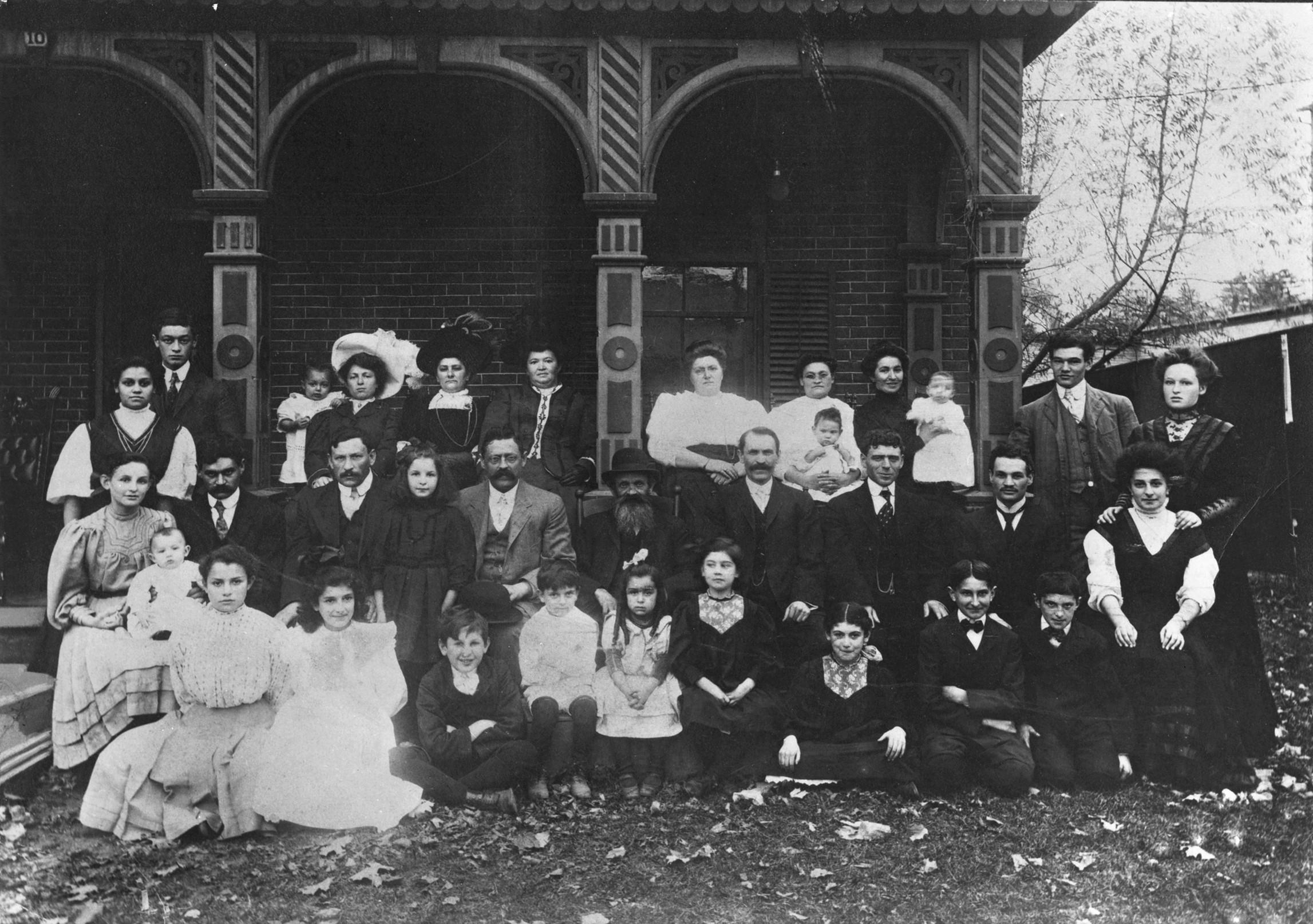 Echenberg Family 1911